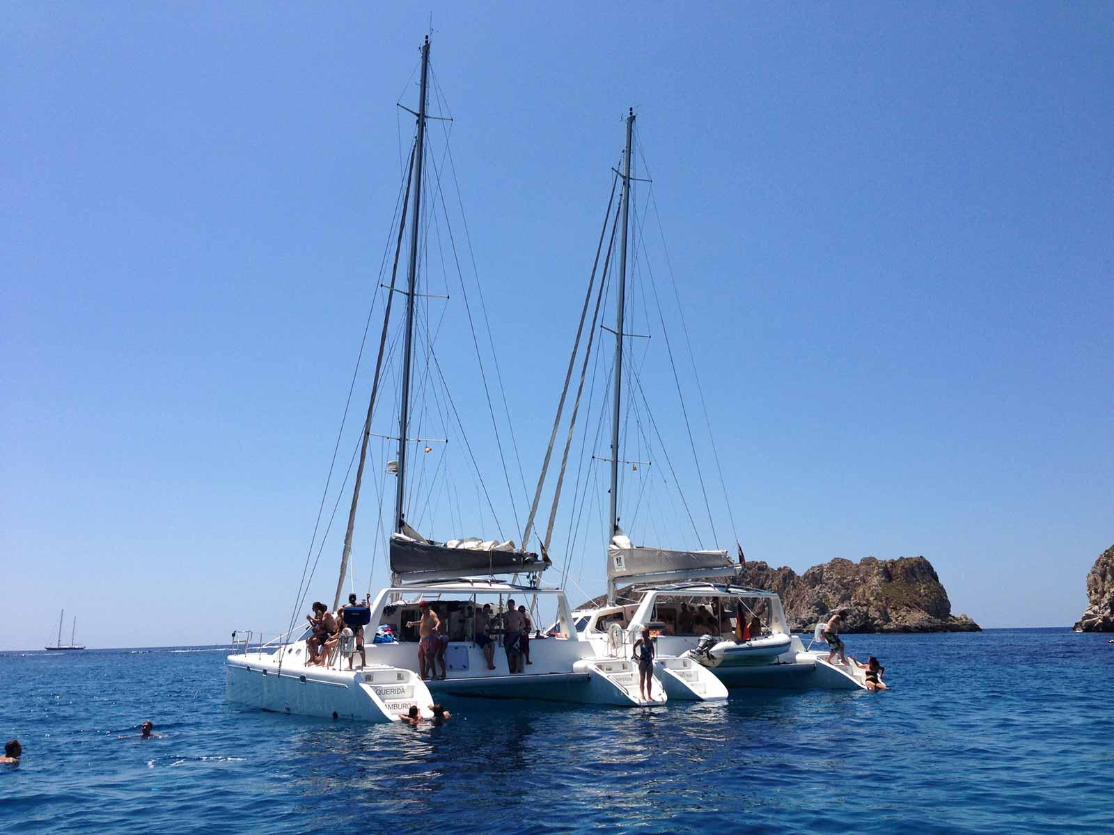 Kleiner-Katamaran-Bootcharter-Mallorca-Katamaran-Mallorca-4