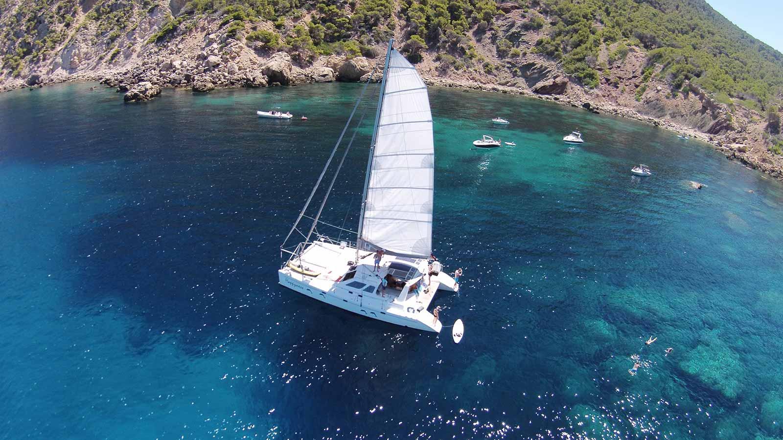 Kleiner-Katamaran-Bootcharter-Mallorca-Katamaran-Mallorca-5