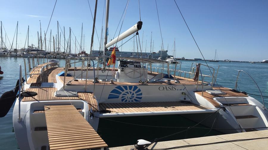 Mittlerer-Katamaran-Mallorca-Katamaran-Charter-Mallorca-5